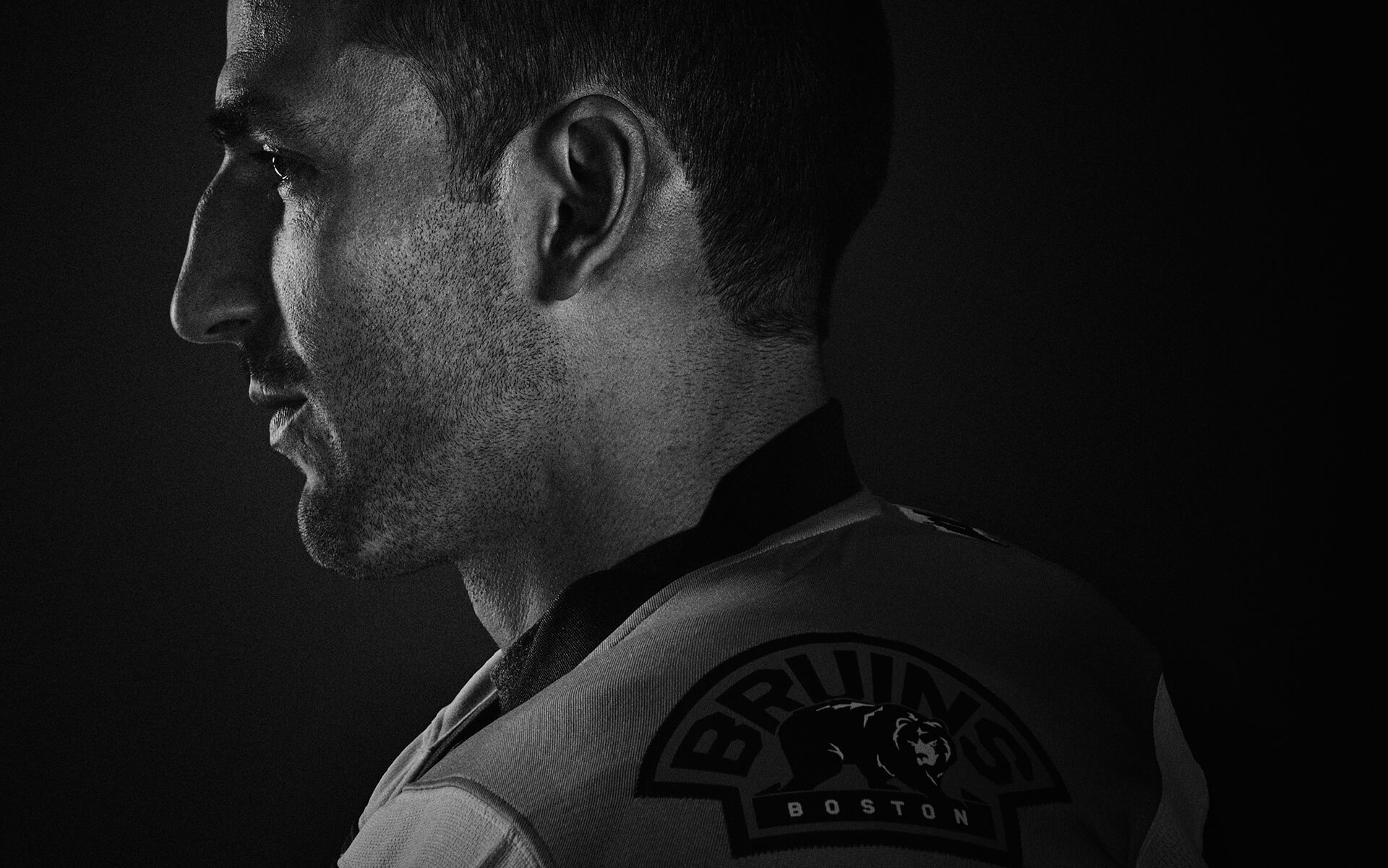 Unified Content, Unified Content Toronto, Aaron Cobb, Visa, Athletes, Patrice Bergeron, Bruins, Dramatic, Action, Headshot, Advertising, Black and White,